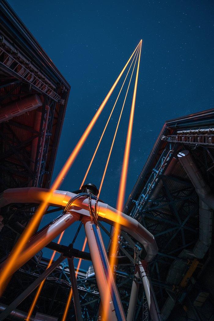 Première lumière du plus puissant des systèmes d'étoiles guides laser au monde à l'Observatoire de Paranal