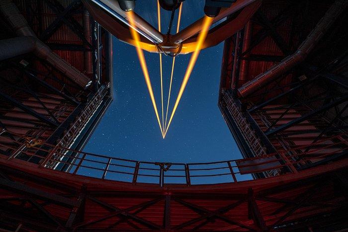 Das leistungsstärkste Laserleitstern-System der Welt sieht erstes Licht am Paranal-Observatorium