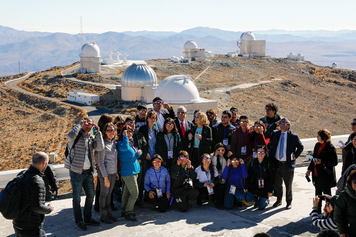 President of the Republic of Chile with guests at the La Silla Total Solar Eclipse