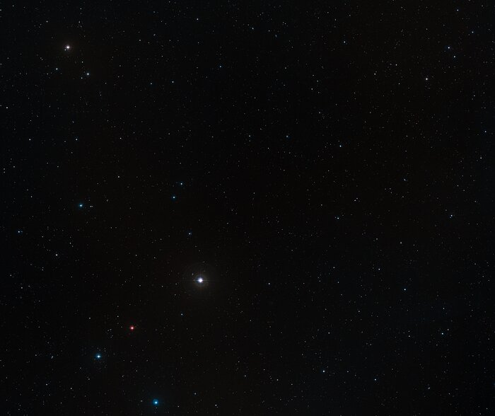 Vue à grand champ du ciel autour du quasar P172+18
