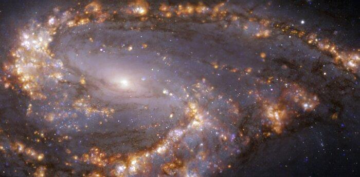 NGC 3627, vista con el instrumento MUSE, instalado en el VLT de ESO, en varias longitudes de onda de luz