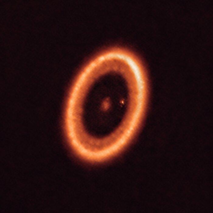 PDS 70-systemet sett med ALMA