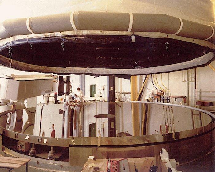 VLT UT1 mirror complete