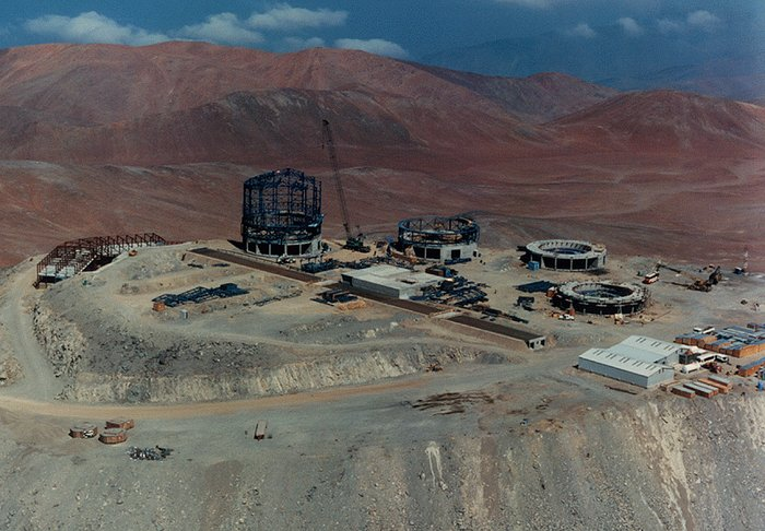 Construction of the VLT Observatory at Paranal
