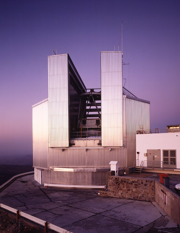 Dalekohled NTT (New Technology Telescope)