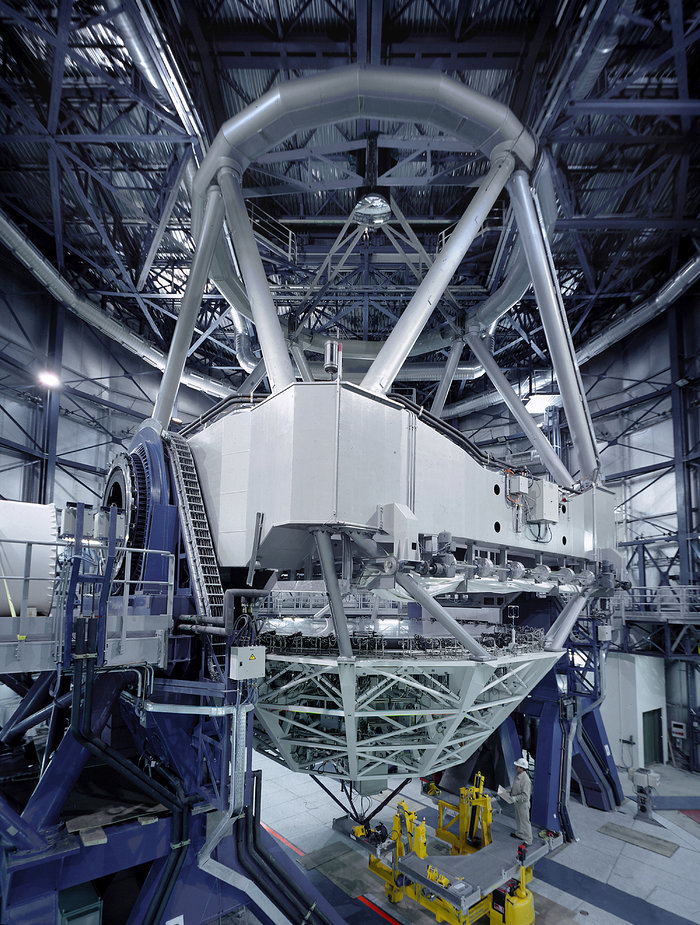 VLT Unit Telescope 1 in its enclosure