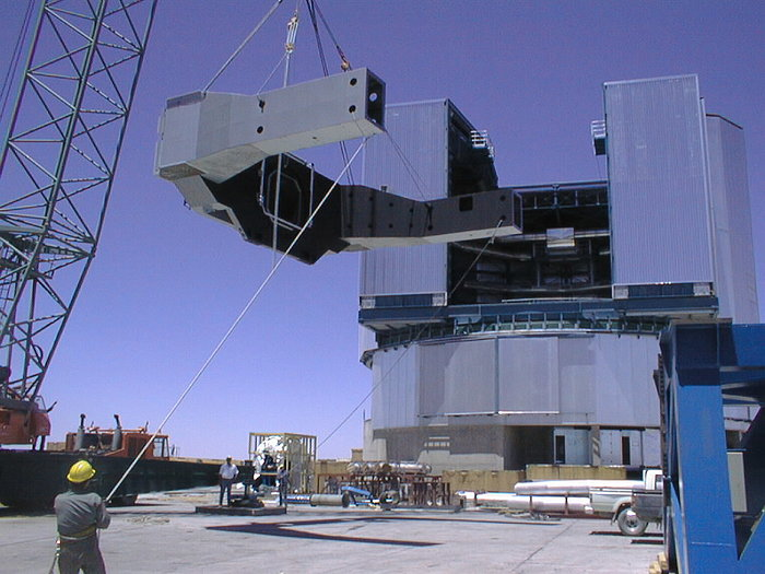 Installation of the VLT UT3 centrepiece