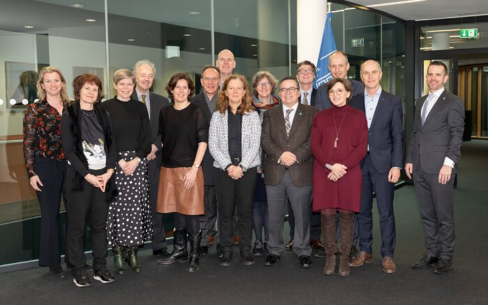 Executive board members of Dutch universities visit ESO