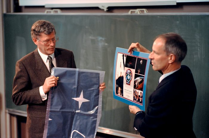 Visit of STS-64 crew to ESO HQ