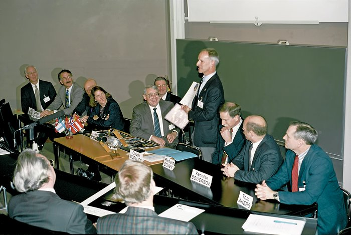 Claude Nicollier talks in HST STS-61 press conference