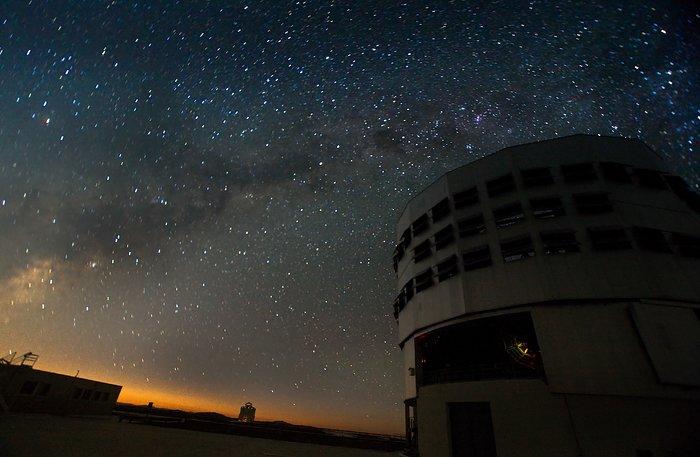 VLT at night at Paranal