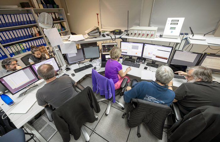 Hard at work in the VLT control room