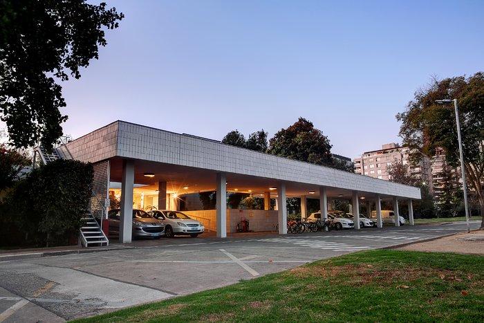 ESO Vitacura office entrance