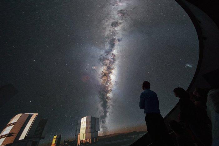 VLT in the ESO Supernova planetarium