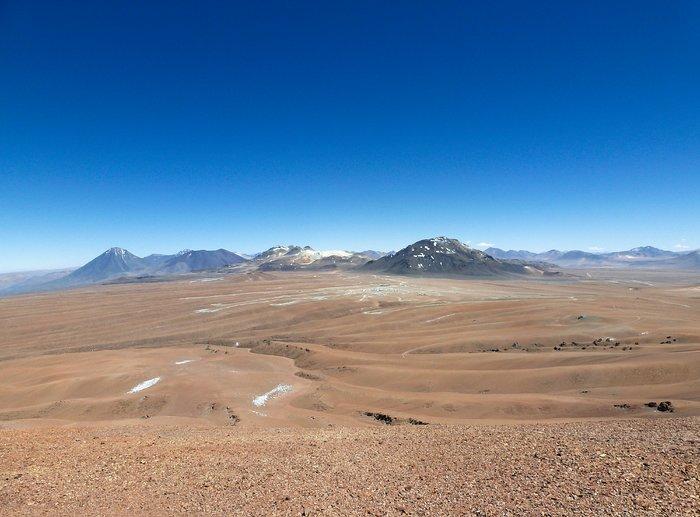 The Chajnantor plateau and ALMA