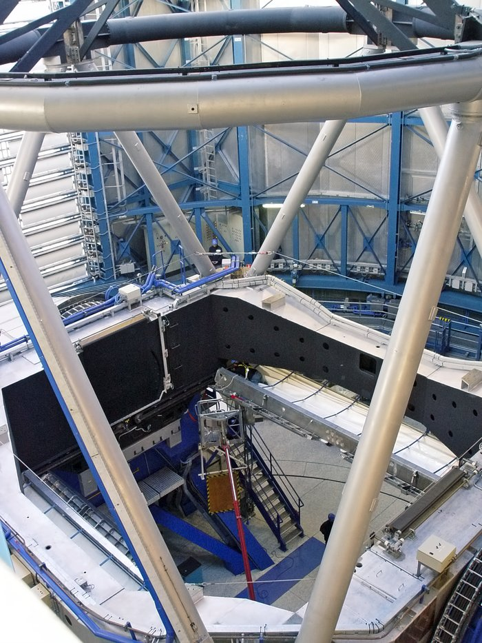 VLT's UT2 without mirror, during recoating