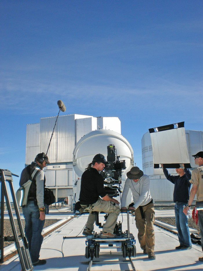 Filming the VLT Auxiliary Telescopes, 2009