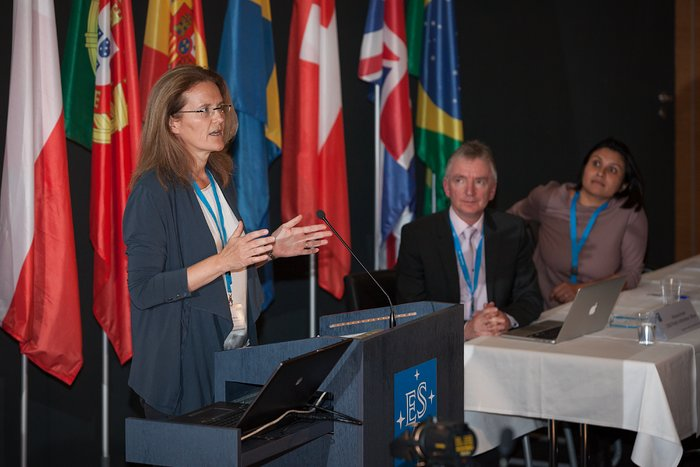 Marina Rejkuba at the ESO press conference announcing the discovery of a neutron star merger
