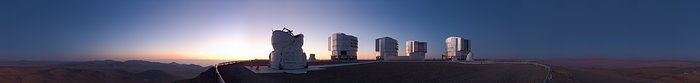 Night comes to Paranal