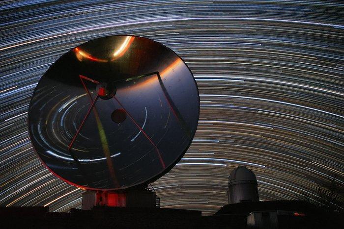 Estrelas circundam La Silla
