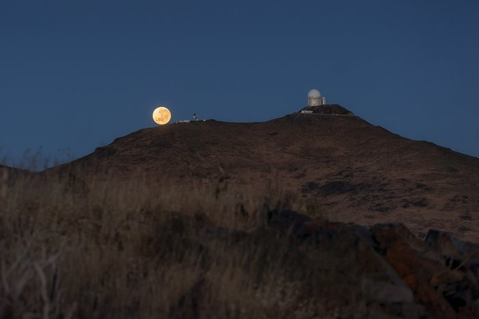 Supermoon at La Silla