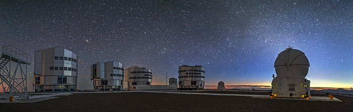 Silent night over Paranal