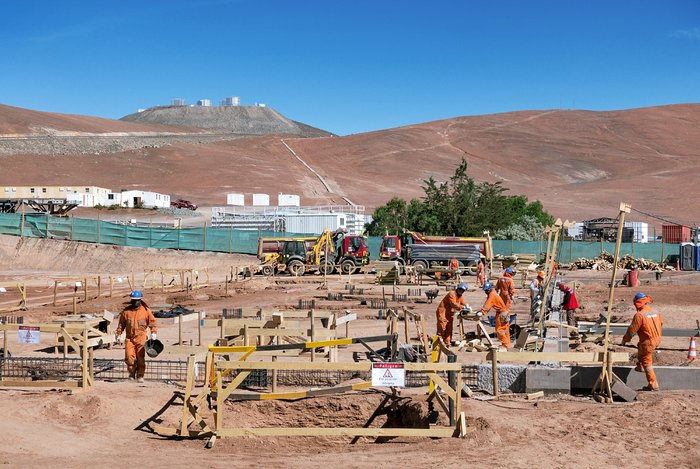 Construction of the ELT Technical Facility at Paranal