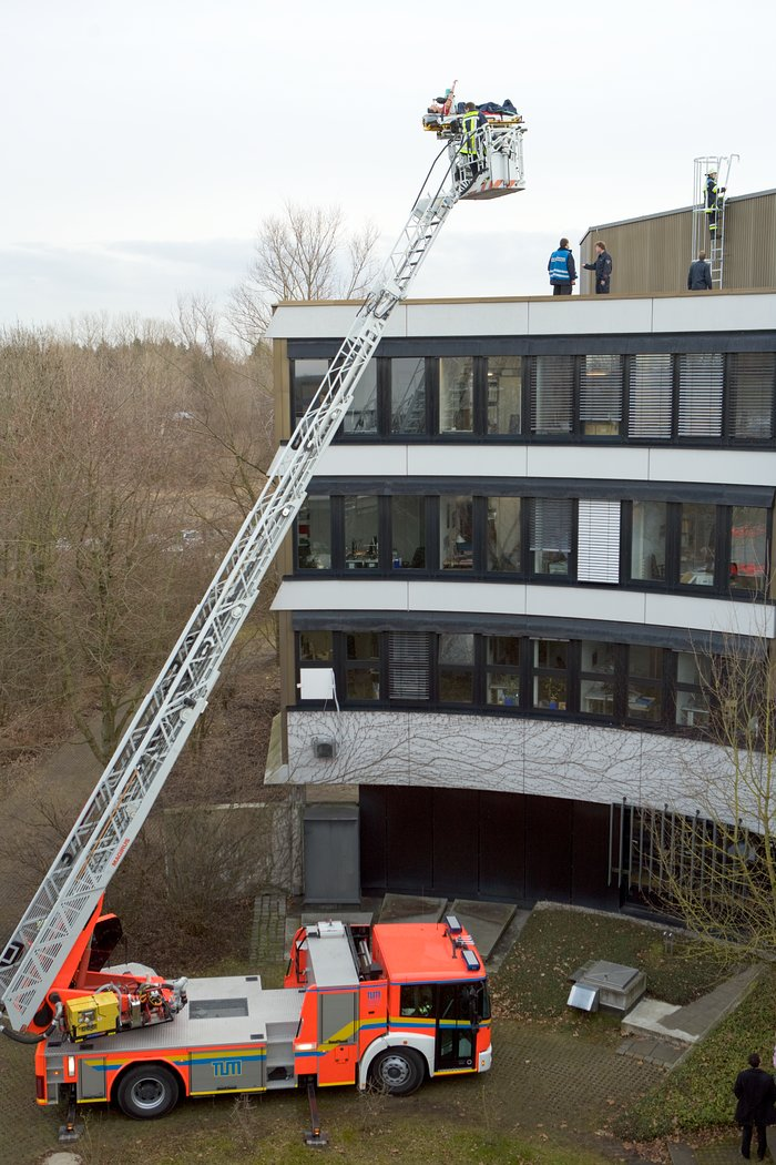 Rooftop evacuation training at ESO HQ