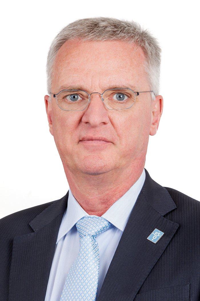 Portrait of ESO Director General Tim de Zeeuw