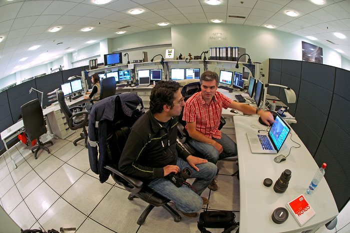 ESO Photo Ambassadors in UT3 control room
