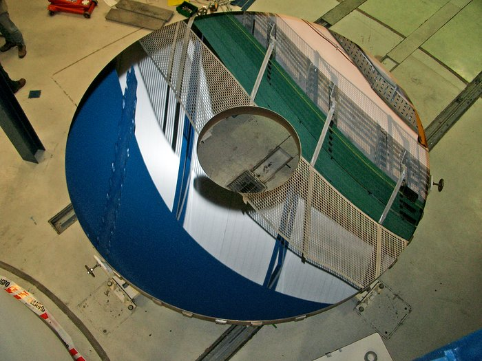 The 4.1 m diameter VISTA main mirror