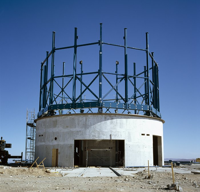Construction of VISTA exterior December 2004
