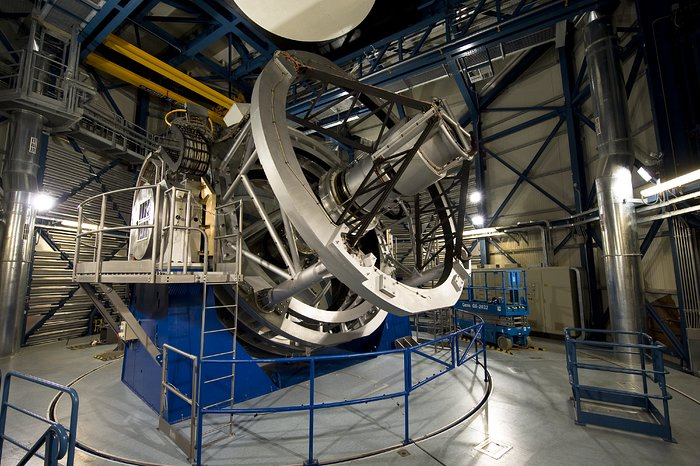The VISTA telescope