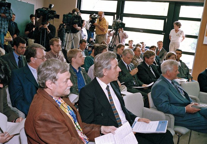 The world's media during VLT first light press conference