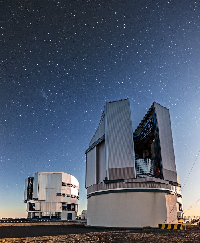 El VLT Survey Telescope al ocaso