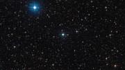 Zoom sur le système d'étoiles triple HD 131399