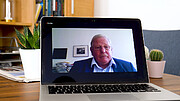 Entrevista con Reinhard Genzel (en alemán)