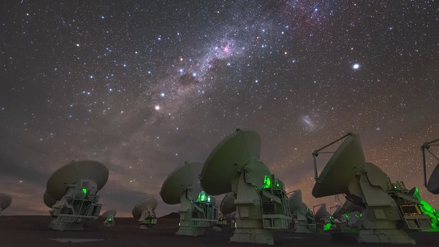 ALMA array at night (time-lapse)