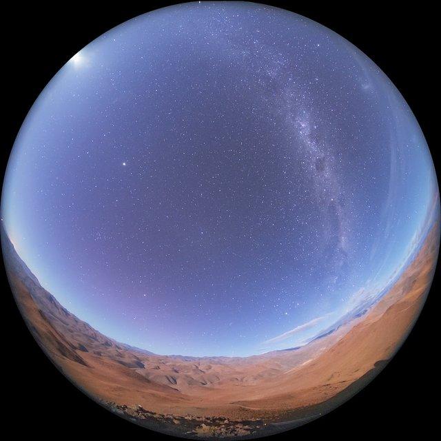 La Silla desert moonset