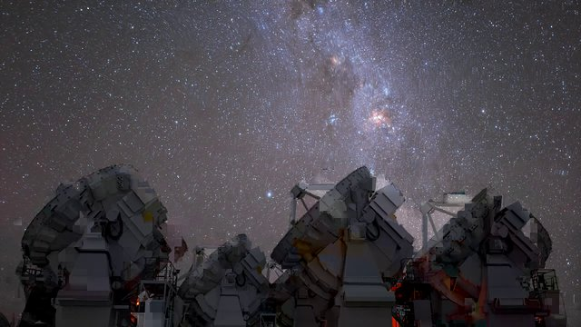 ALMA under the Milky Way (time-lapse)