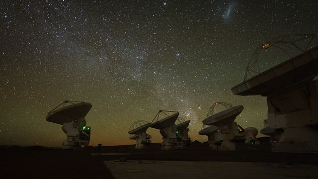 ALMA and artificial satellites (time-lapse)
