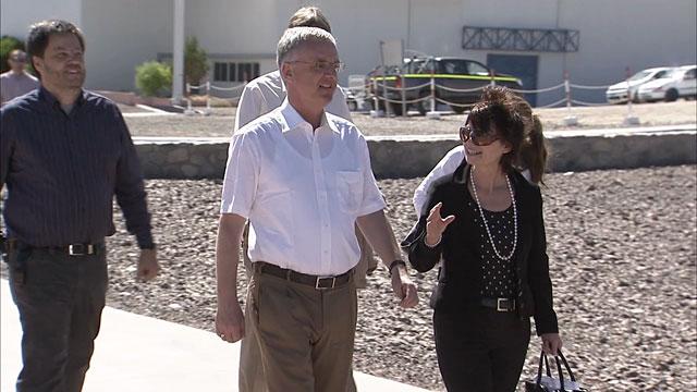 Vídeo Noticioso 41: Conselheira Científica Principal da Comissão Europeia, Anne Glover, visita o Observatório do Paranal do ESO (B-roll)