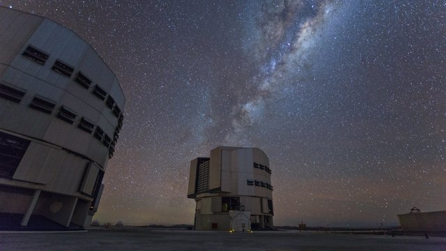 Time-lapse of VLT