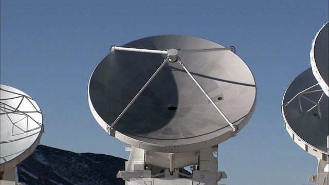 Array of ALMA antennas on Chajnantor