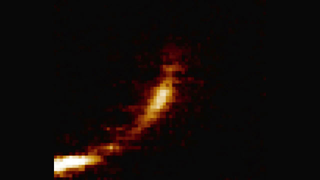 Gas cloud being ripped apart by the black hole at the centre of the Milky Way