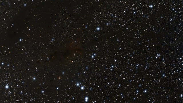 Zooming in on the young double star HK Tauri