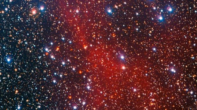 Panorâmica do enxame estelar colorido NGC 3532