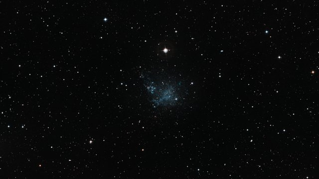 Zoom auf die Zwerggalaxie IC 1613