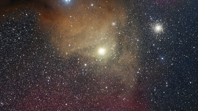 Zoom sur la supergéante rouge Antarès