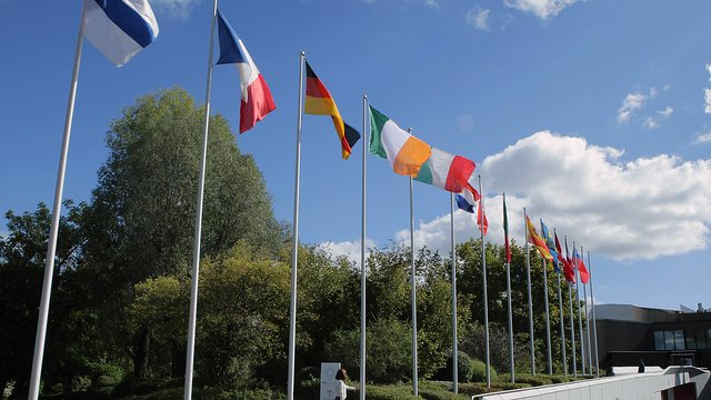 Irish flag being hoisted at ESO's Headquarters